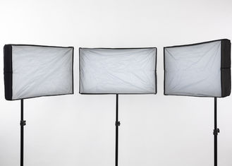 China Portable 70W FL70K-3 LED Studio Lighting Kit 45.2×45.2×3cm Compact Dimension supplier